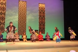 アイヌ民族舞踊(静内民族文化保存会)