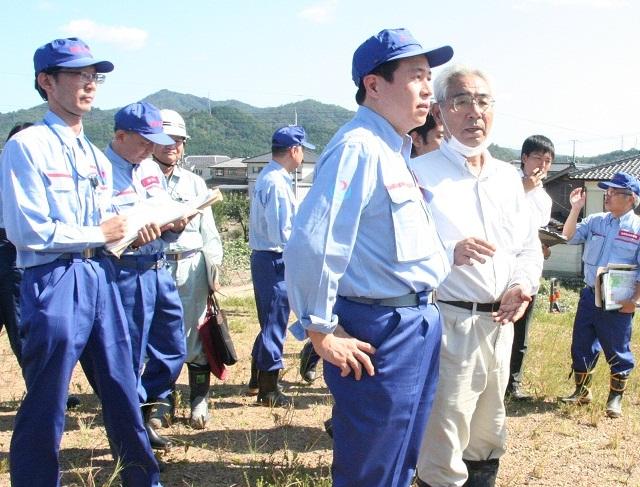 【平成25年9月18日 新着情報】 台風第18号による被災現場を鶴保国土交通副大臣が調査