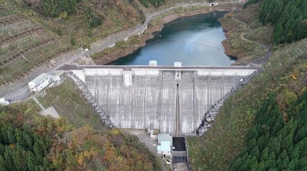 浄土寺川ダム ~湖見守るダムガッパ~